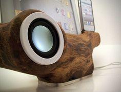 Apple iPhone iPad Tree Speaker Docking Station by RockAppleWood