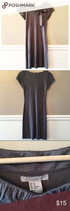 """{H&M} Bodycon Dress This dress is super stretchy and super soft!  It's made of a soft, thin sweater-like material and has a silk collar and bow.  Simple and chic!  EUC!  95% Viscose, 5% Silk.  Length from shoulder to hem measures 35"""". H&M Dresses Midi"""