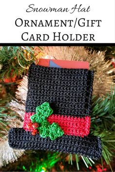 FREE PATTERN - Crochet the ornament in the series -- the Snowman Hat Ornament/Gift Card Holder. This free pattern uses size 10 thread and makes a great holiday gift! Crochet Christmas Ornaments, Christmas Crochet Patterns, Holiday Crochet, Crochet Gifts, Snowman Hat, Crochet Snowman, Crochet Motifs, Free Crochet, Crochet Ideas