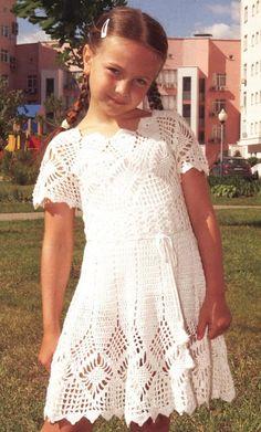 Ажурное вязаное платье для девочки