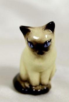 Vintage Hagen Renaker 1949-52 Monrovia Sitting Siamese Cat Mini Figurine #2 VHTF