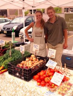 Farmers Markets directory of open air markets in north america at farmers market online Sioux Falls South Dakota, Farmers Market, Street Food, Online Marketing, North America, Farms, Mount Rushmore, Wednesday, Empire