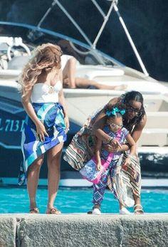 Beyoncé Blue Ivy & Kelly in Sardinia Italy 13.09.2015