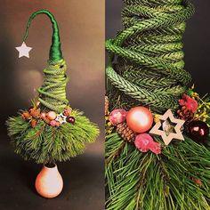 Christmas Tree Topiary, Christmas Wreaths, Christmas Ornaments, Christmas Fireplace, Christmas 2017, Flower Designs, Holiday Decor, Flowers, Inspiration