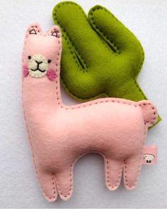 Cactus and llama gift set llama decor pink gift llama image 1 Felt Animal Patterns, Stuffed Animal Patterns, Diy Stuffed Animals, Baby Shower Party Favors, Baby Shower Parties, Baby Diy Projects, Sewing Projects, Felt Diy, Felt Crafts