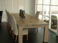 VRI interieur eikenhouten eettafel, landelijke eettafel