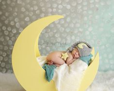 Newborn Moon Hat Moon And Star Hat Infant Elf por VioletsPlayground