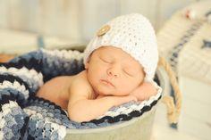 beach-and-boat-newborn-photos