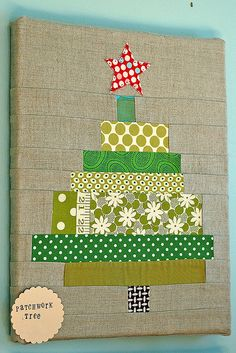 love this! DIY Christmas tree made from fabric strips on canvas. Excellent Christmas craft!