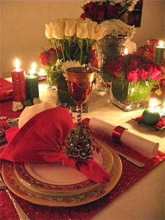 Lovely Vintage Holiday Tablescape