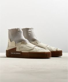 White Sneakers, Casual Sneakers, Sneakers Fashion, Fashion Shoes, Shoes Sneakers, Sock Shoes, Shoe Boots, Futuristic Shoes, Platform Sneakers