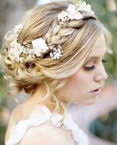5 slightly rustic wedding updo hairstyles | Tres Vintage Weddings