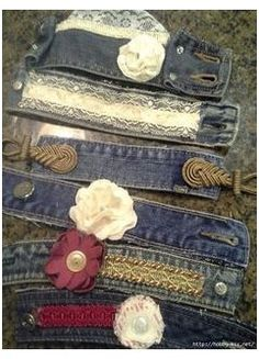 The Best Upcycled Denim Crafts and DIYs #denim #bracelets #diy #old #jeans #denimbraceletsdiyoldjeans Don't throw away your old jeans, here is a collection of the best upcycled denim crafts and DIY's for the home from Pillarboxblue. Jeans Recycling, Recycle Jeans, Bracelet Denim, Cuff Bracelets, Fabric Bracelets, Jean Crafts, Denim Crafts, Denim Armband, Artisanats Denim