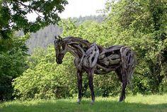 Удивительные скульптуры лошадей