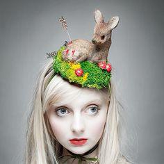 "The Utterly Unique Little Deer Hat ""I Shot Bambi"" by zaracarpenter @ Etsy. Kitsch, Mode Bizarre, Caroline Reboux, Crazy Hats, Silly Hats, Fascinator Hats, Fascinators, Millinery Hats, Girl With Hat"
