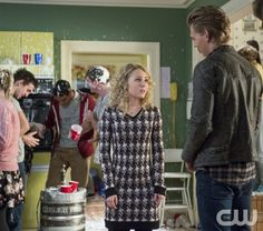 """The Carrie Diaries -- """"Under Pressure"""" -- Image Number: CD209b_589b.jpg -- Pictured (L-R): AnnaSophia Robb as Carrie and Austin Butler as Sebastian -- Photo: David Giesbrecht/The CW -- © 2013 The CW Network, LLC. All rights reserved."""