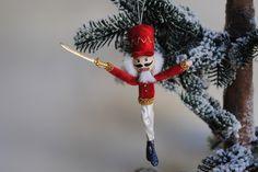 Notenkraker-Ballet sieraad pop, kerst ornament Notenkraker-Ballet, sieraad pop door OnASummerday op Etsy https://www.etsy.com/nl/listing/484472029/notenkraker-ballet-sieraad-pop-kerst