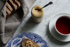 Cake & Travels - Roasted Macadamia Nut Butter