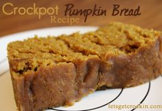 Crock Pot Pumpkin Bread :: One of the most popular recipes! Moist, delicious and perfect for waking up to a yummy smelling house. Crock Pot Recipes, Crock Pot Desserts, Köstliche Desserts, Delicious Desserts, Dessert Recipes, Cooking Recipes, Yummy Food, Crock Pots, Cooking Food