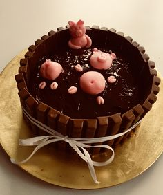 La mare aux cochons.  #cakedesign #cakehomemade
