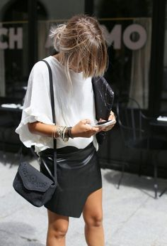 Fashion | Black & white | Classics | Leather skirt | More on Fashionchick.nl
