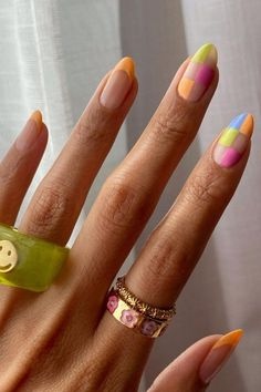 Nail Design Stiletto, Nail Design Glitter, Acylic Nails, Almond Nails Designs, Almond Shaped Nail Designs, Nail Jewelry, Resin Jewellery, Funky Nails, Colorful Nails
