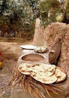 Hot Bread by elbadryekareem Bagdad, Baghdad Iraq, Jerusalem Israel, Kurdistan, The Old Days, World Cultures, Old Photos, Egypt, Cool Pictures