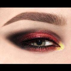 https://www.patmcgrath.com/collections/phantom-002/products/black-002-eye-gloss