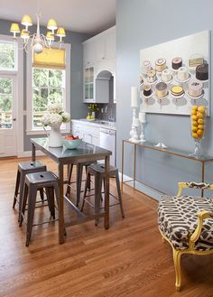 Very cute kitchen and dining space