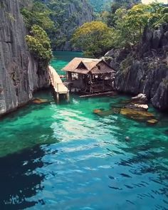 Coron Palawan: The most beautiful island in the world Image via H.abanil With a population of people, Coron island in the Philippines is considered one of the most beautiful islands in the world. And it looks like paradise. On a historical… Beautiful Places To Travel, Most Beautiful Beaches, Cool Places To Visit, Places To Go, Amazing Places On Earth, Peaceful Places, Best Places To Travel, Wonderful Places, Vacation Places