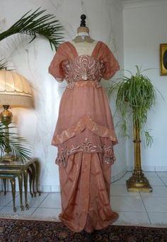 Elegantes Abendkleid, ca. 1912