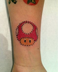 #tattoofriday - Zulima Torné, pontilhismo colorido - Todd, Super Mário;