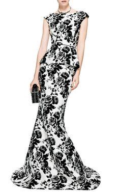 Jacquard Fishtail Silk Gown by Oscar de la Renta - Moda Operandi