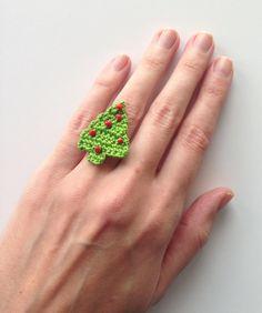 Christmas Tree Ring ~ free pattern