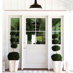 70 Best Modern Farmhouse Front Door Entrance Design Ideas 19 – Home Design Door Design, Painted Front Doors, House Exterior, Exterior Design, Farmhouse Front Door, Farmhouse Doors, Entrance Design, Modern Farmhouse Design, Front Door Design