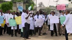 Medical doctors protest police harassment in Lagos, Nigeria - http://wp.me/p4MFYY-KLT