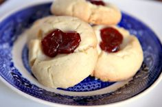 Shortbread Almond Cookies with Guava    Makes about 18 cookies        1/2 cup sugar      1/2 cup (1 stick) butter      1/2 cup shortening      1 egg yolk      1 teaspoon almond extract      2 1/4 cups all-purpose flour      1/2 cup guava paste, diced