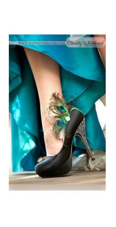 Fancy Shoe Clips Peacock Feathers Rhinestone Gem. by sofisticata, http://sofisticata.etsy.com / ChristyWhiteheadPhotography.com Jeweled Heel Accessory. Paon Plume pour Chaussures / Pfau Strass Schuhclips