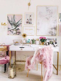 How To Create A Chic Office Space – Rustic Crafts & Chic Decor – Chic Home Office Design Home Office Design, Home Office Decor, Office Ideas, Office Table, Office Inspo, Pink Office Decor, Pink Home Decor, Chic Apartment Decor, Office Decorations