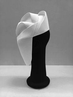 Maru Daris design. Head accessory. Mask. Design. Fashion. Ideas. Architecture. Curves. Volume. White. 3