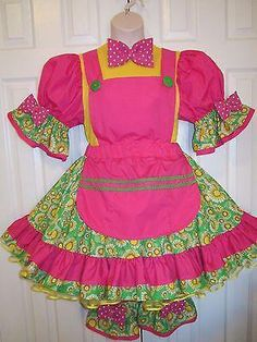 You'll also receive a blue party hat, ruffled collar, and matching gloves! Cute Clown Costume, Clown Dress, Adult Costumes, Halloween Costumes, Clown Costumes, Clown Clothes, Clown Outfits, Clown Crafts, Porcelain Dolls Value