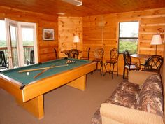 Tennessee Lodge - 9 Bedroom Cabin that sleeps 28 people and is located by Pigeon Forge TN. This cabin is ideal for a family reunion, youth group or wedding party! And it's only minutes from the exciting Dollywood Theme Park.