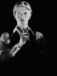 A look on David Bowie's persona The Thin White Duke Glam Rock, Stone Age Man, David Bowie Born, Bowie Starman, Who Do You Love, Station To Station, The Thin White Duke, Major Tom, Ziggy Stardust