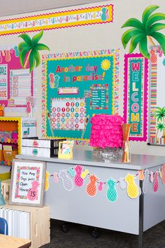 Pineapples everywhere! This happy and vibrant look will brighten up any classroom—you'll practically feel the tropical breezes every time you walk through the door. Kindergarten Classroom Decor, Classroom Decor Themes, First Grade Classroom, Classroom Setting, Classroom Door, Classroom Setup, Classroom Design, Classroom Displays, Elementary Classroom Themes