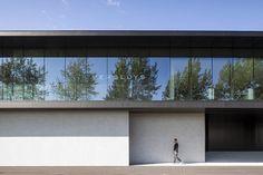 Corporate VERSLUYS Zandvoorde // Govaert & Vanhoutte Architects