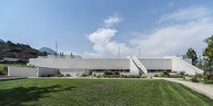 Gallery of The Saint George College's Gymnasium / Gonzalo Mardones V Arquitectos - 7