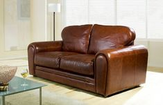 The Chicago deep leather sofa chair is one of our latest designs to feature the sprung edge technology. A stylish, modern sofa with an incredibly comfortable sit. As standard the Chicago deep sofa comes with piped,deep Duratech seat cushions and sits on chocolate finished bun feet.