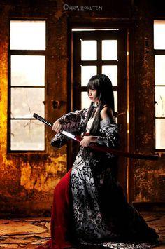Kira Hokuten - Woman Samurai (Onna-bugeisha) w Katana (KiraHokuten- DeviantArt) Ronin Samurai, Female Samurai, Samurai Art, Samurai Warrior, Samurai Swords, Katana Girl, Ninja Girl, Warrior Girl, Warrior Princess