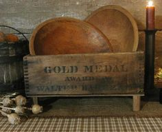 great idea for old box and wooden bowls