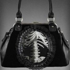 gothic handbag human skeleton in lace frame black velvet Dark Fashion, Gothic Fashion, Gothic Culture, Human Skeleton, Gothic Steampunk, Victorian Gothic, Cute Purses, Gothic Outfits, Rib Cage